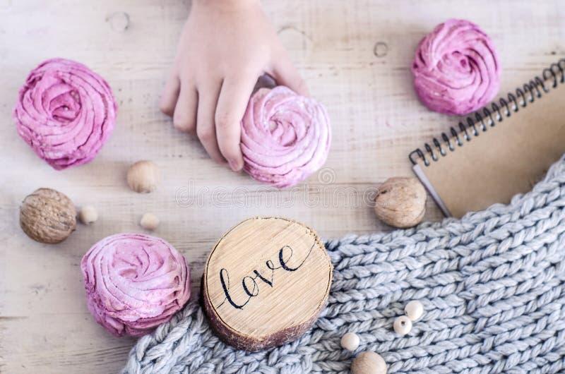 Domowej roboty różowy jagodowy marshmallow obraz royalty free