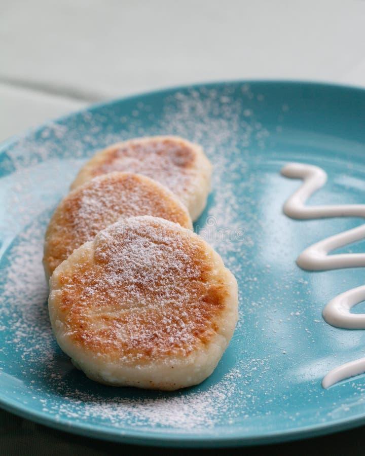 Domowej roboty ser dla śniadania zdjęcie royalty free