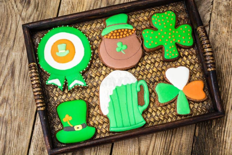 Domowej roboty torty w dzień St Patrick obrazy stock