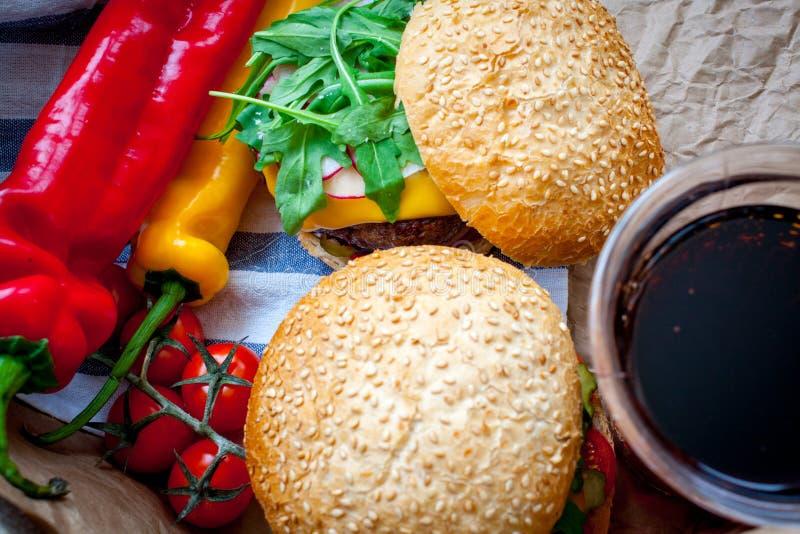 Domowej roboty wołowina hamburgery obraz royalty free
