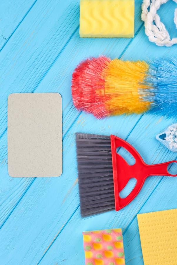 Domowi cleaning produkty, pionowo wizerunek obraz stock