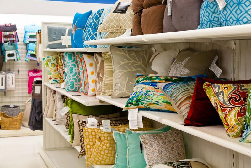 Domowi towary: Akcentuacyjne poduszki fotografia stock