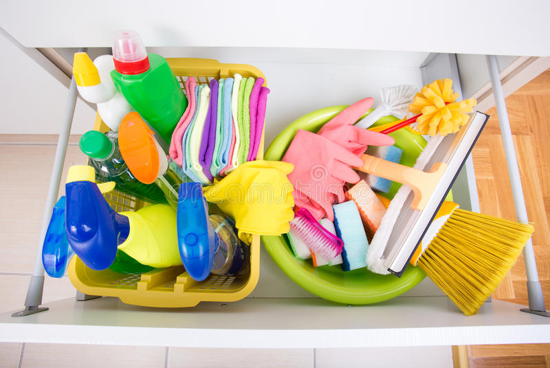 Domowy cleaning wyposażenie przechuje pojęcie zdjęcia royalty free