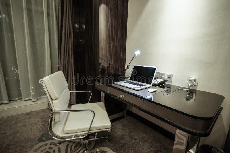 Domowy & hotelowy sypialni wnętrze obrazy royalty free