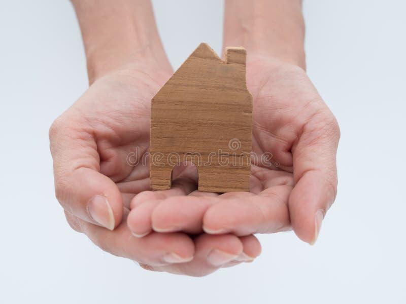 Domowy model w oszczędzanie planie dla siedziby obraz stock
