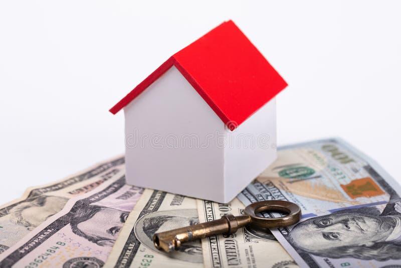 Domowy model Z banknotami I kluczem obraz stock