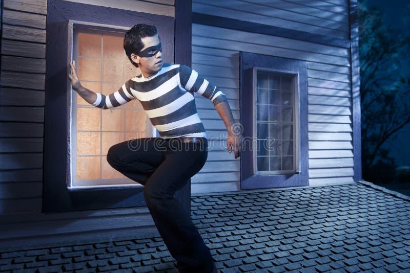 domowy noc dachu złodziej zdjęcia stock