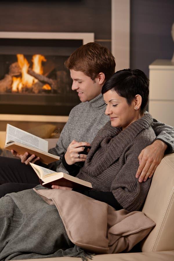 domowy pary przytulenie obrazy stock
