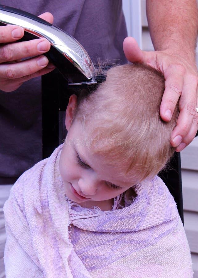 Domowy włosy cięcie obrazy stock