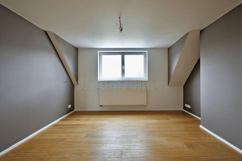 Domowy wnętrze z pięknymi ciepłymi drewnianymi podłoga obraz royalty free