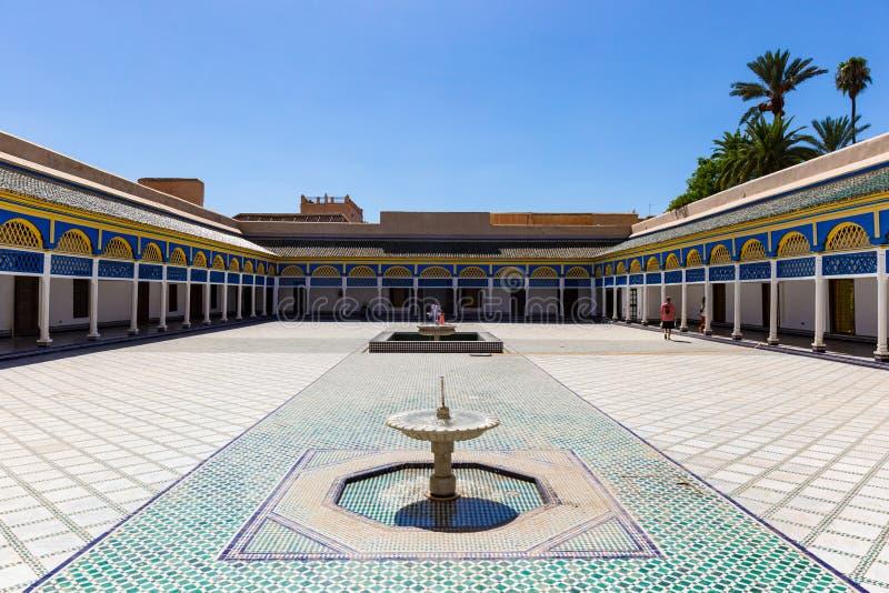`-Domstol av hederheder` Bahia Palace, Marrakech, Marocko royaltyfria foton