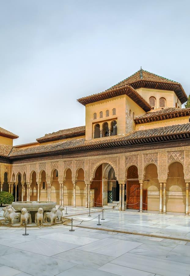 Domstol av lejonen, Alhambra, Granada arkivfoton