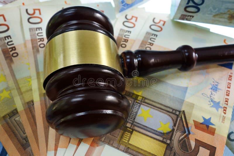 Domstolauktionsklubba på euro fotografering för bildbyråer
