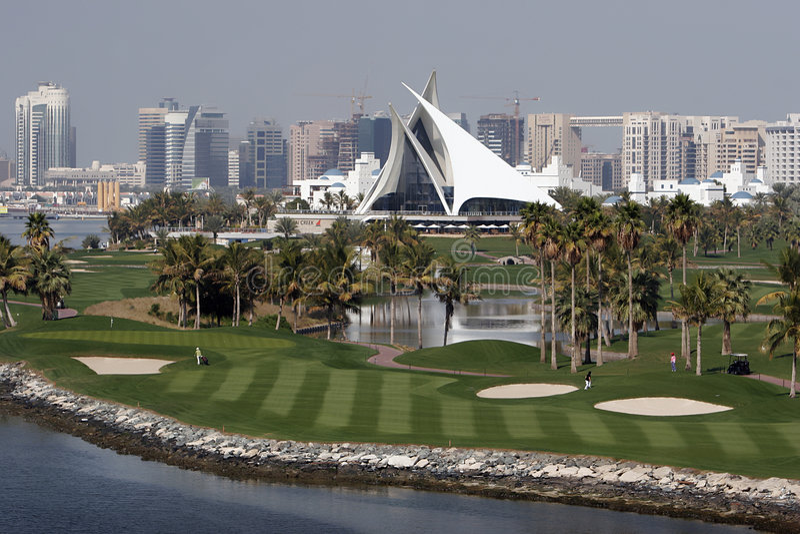 domstoldubai golf royaltyfria bilder