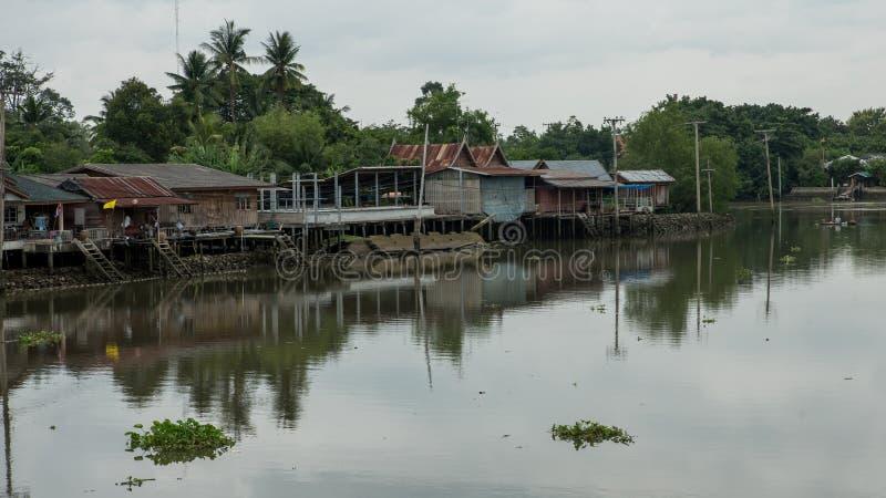 Domy na kanale w Tajlandia fotografia royalty free