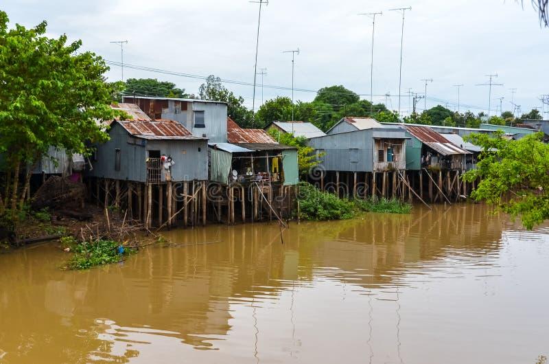 Domy na słupach w Mekong delcie Wietnam obrazy royalty free