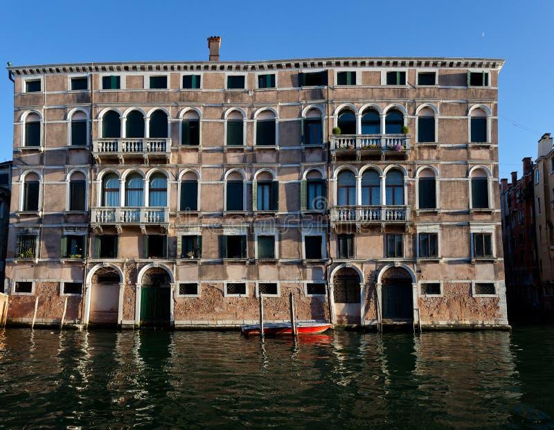 Domy nawadniają kanał, Wenecja, Włochy obrazy royalty free