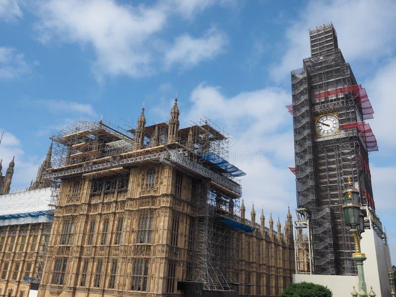 Domy parlament konserwaci pracy w Londyn zdjęcie royalty free