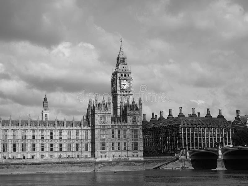 Domy parlament w Londyński czarny i biały zdjęcia stock