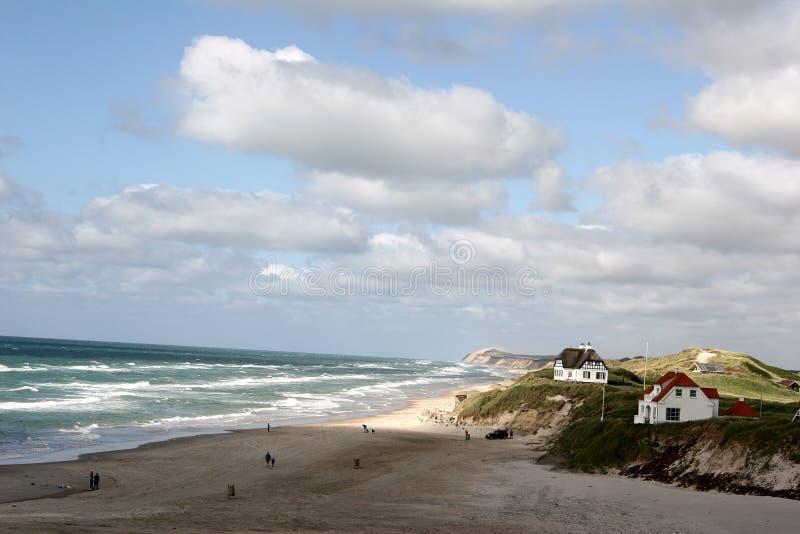 domy plażowi blisko zdjęcie royalty free