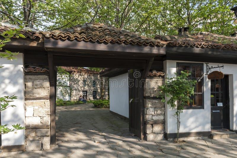 Domy xix wiek przy Starym miasteczkiem przy centrum miasteczko Dobrich, Bu?garia zdjęcie stock
