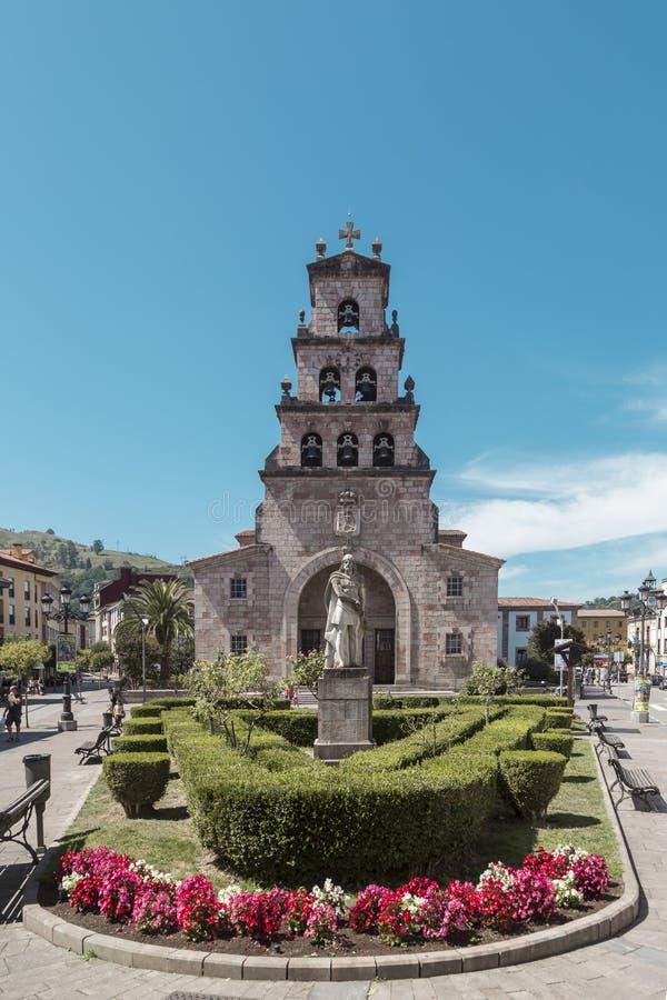 Don Pelayo et l'église de l'hypothèse à Cangas de Onis, A image libre de droits