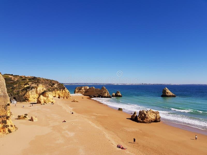 Dona Ana Beach em Lagos, o Algarve imagem de stock royalty free