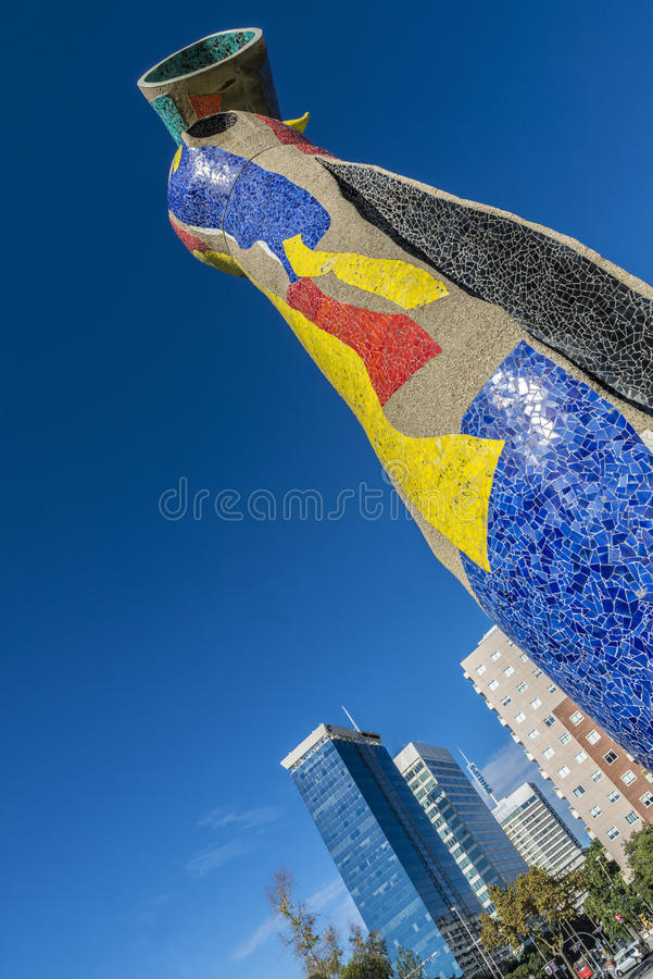 Dona da escultura mim Ocell, Barcelona foto de stock royalty free