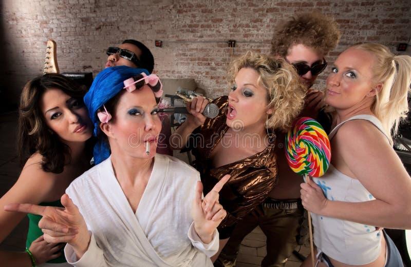 Dona de casa Funky com grupo turbulento imagem de stock