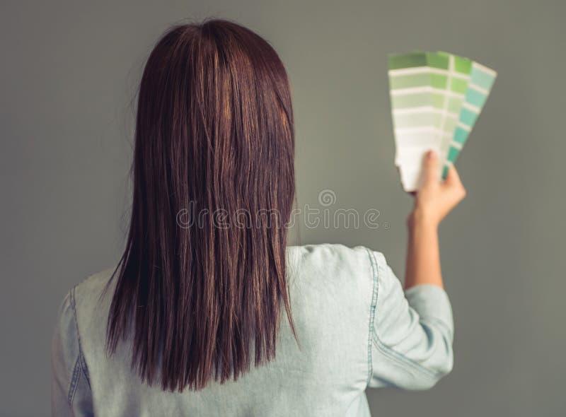 Download Dona de casa nova bonita imagem de stock. Imagem de lifestyle - 80100643
