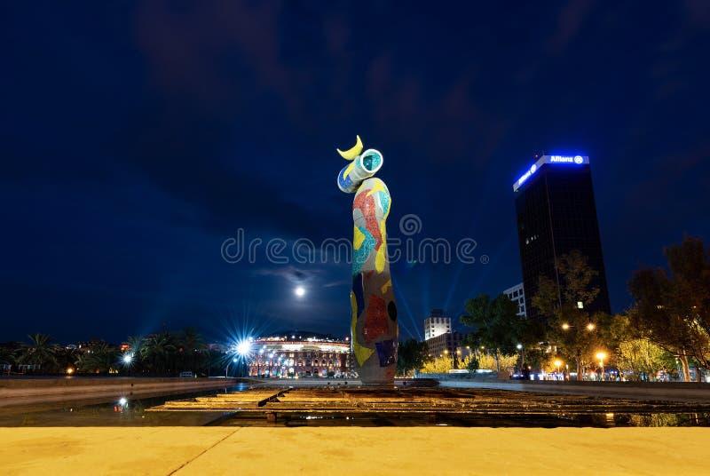 Dona i Ocell - Vrouw en Vogel - Joan Miro Barcelona stock fotografie