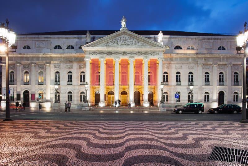 Dona Maria II Nationaal Theater bij Nacht in Lissabon stock foto