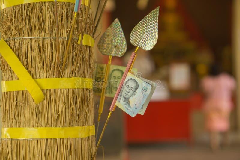 Donaciones budistas en Tailandia fotos de archivo libres de regalías