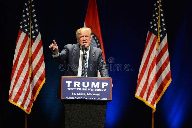Donald Trump Campaigns à St Louis images stock