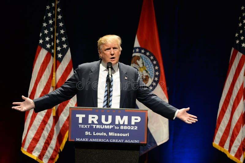 Donald Trump Campaigns en St. Louis fotografía de archivo