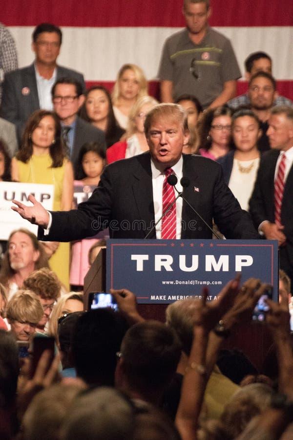 Donald Trump erste Präsidentenkampagnensammlung in Phoenix lizenzfreie stockfotos