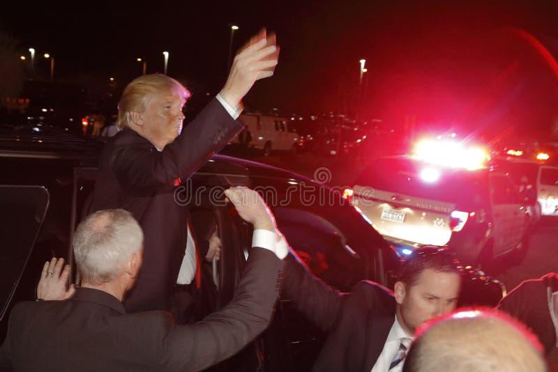 Donald Trump faz campanha na estação de votação de Nevada Caucus, Palos Verde Highschool, nanovolt imagem de stock