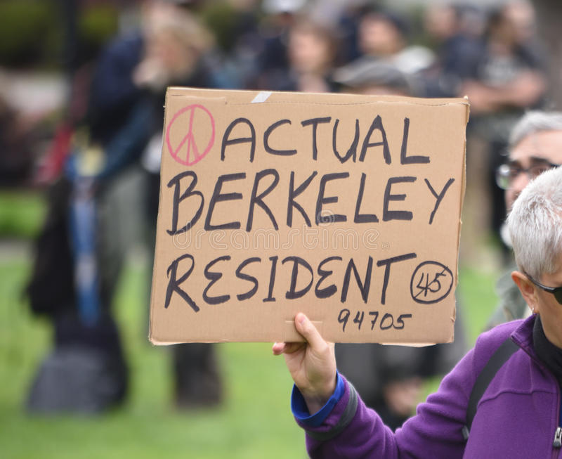 Donald Trump Free Speech Brawl in Berkeley California stock foto's
