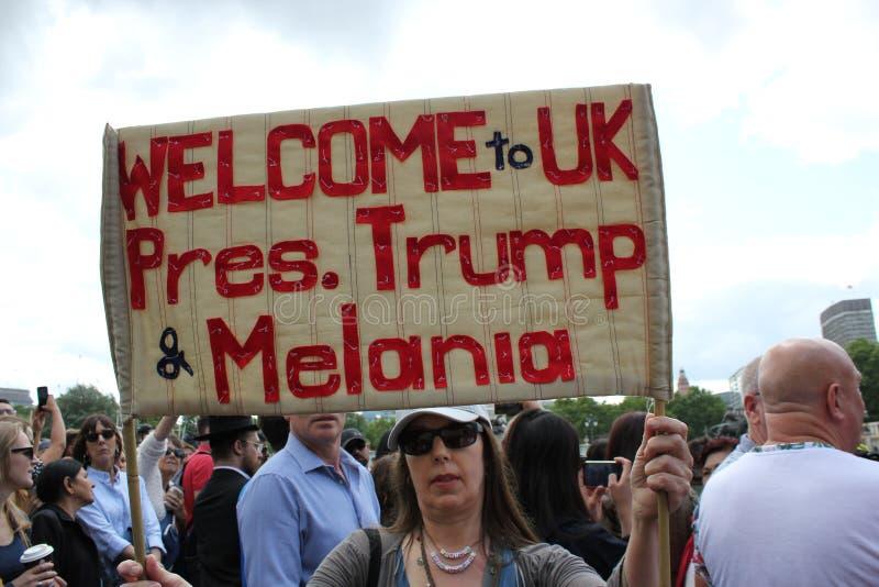 Donald Trump, Londres, R-U, photo courante, 3/6/2019 - atterrissage d'h?licopt?re de Donald Trump au Buckingham Palace pour la ph image libre de droits