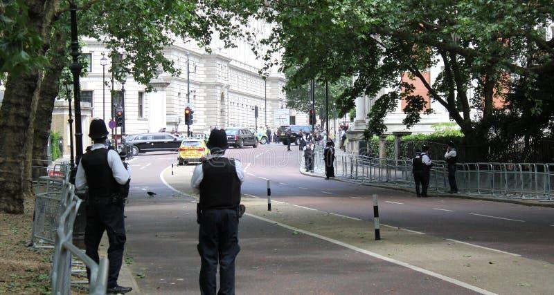 Donald Trump, Londres, R-U, photo courante, 3/6/2019 - Donald Trump d?collant du Palais de Buckingham pour le photograp BRITANNIQ photos libres de droits
