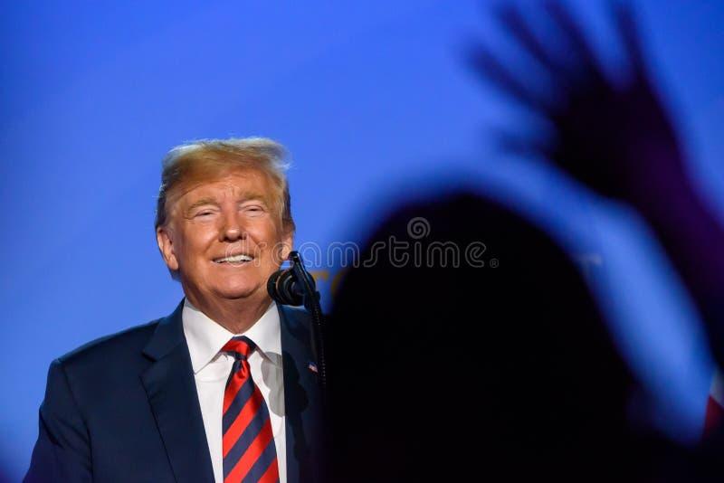Donald Trump, presidente de los Estados Unidos de América, durante rueda de prensa en la CUMBRE de OTAN 2018 imágenes de archivo libres de regalías