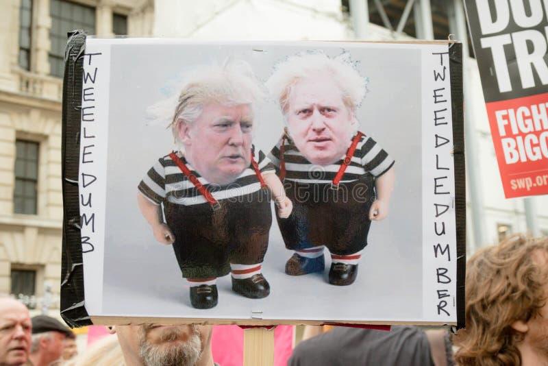 Donald Trump Protesters anti en Londres central fotos de archivo