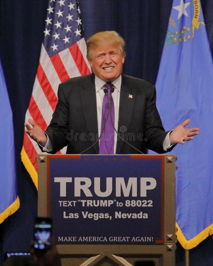 Donald Trump segeranförande som följer stor seger i den Nevada förberedande valmöte, Las Vegas, NV royaltyfria foton