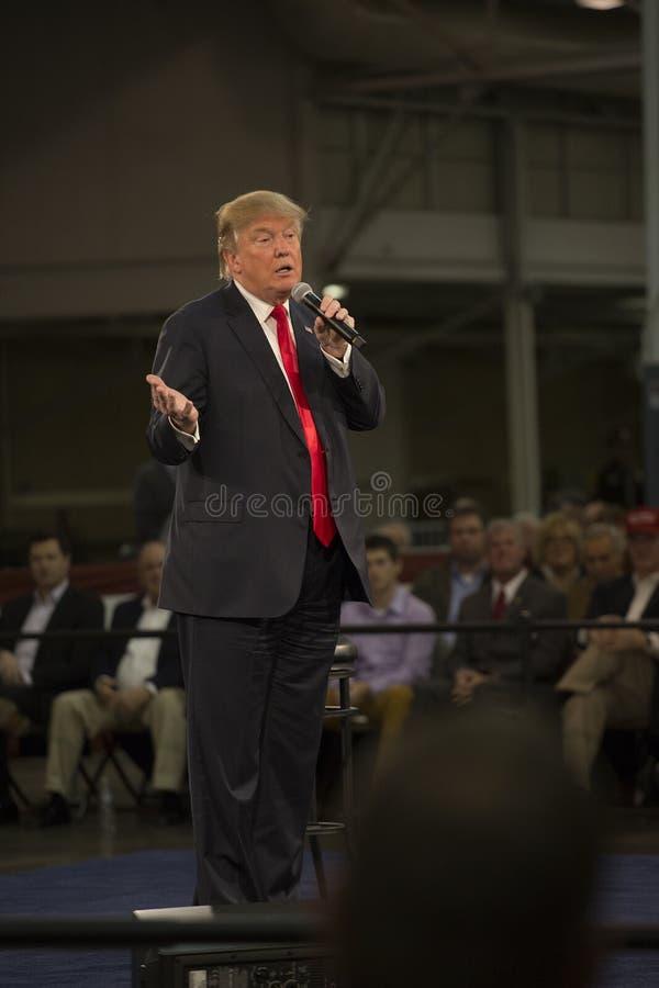 Donald Trump talar i Iowa arkivbild