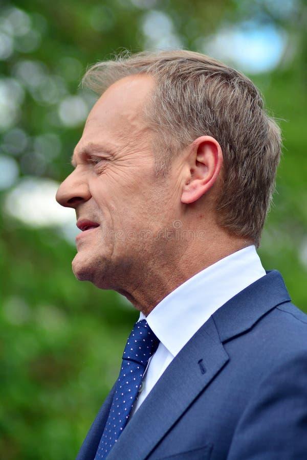 Donald Tusk der Pr?sident des Geschenkes des Europ?ischen Rates in Warschau ersuchte Polens um Spitzenpolitiker, das constitu zu  lizenzfreies stockfoto
