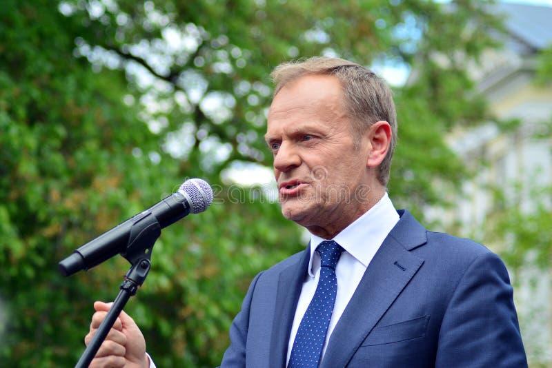 Donald Tusk der Pr?sident des Geschenkes des Europ?ischen Rates in Warschau ersuchte Polens um Spitzenpolitiker, das constitu zu  lizenzfreies stockbild