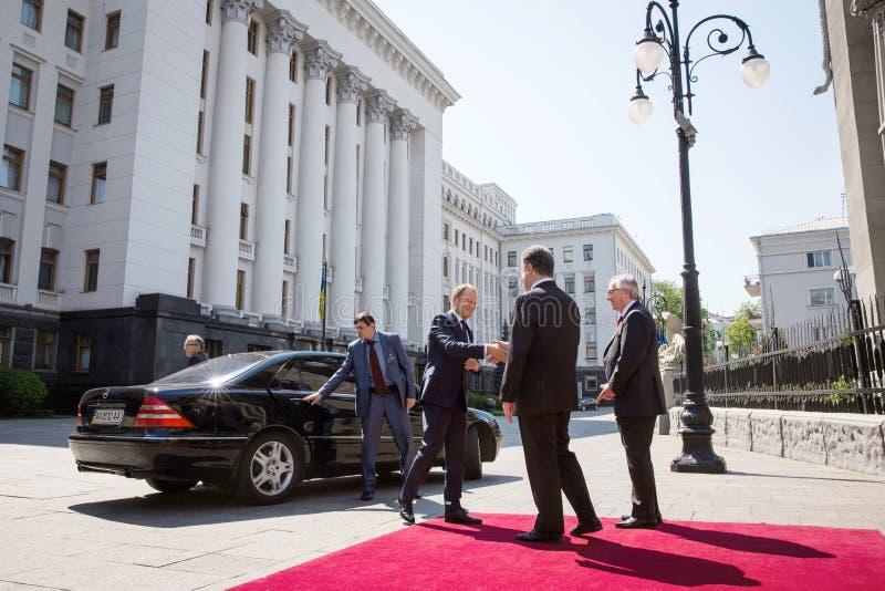 Donald Tusk, Jean-Claude Juncker und Petro Poroshenko stockbilder