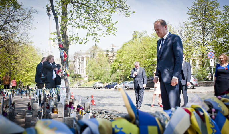 Donald Tusk in Kiew stockbilder
