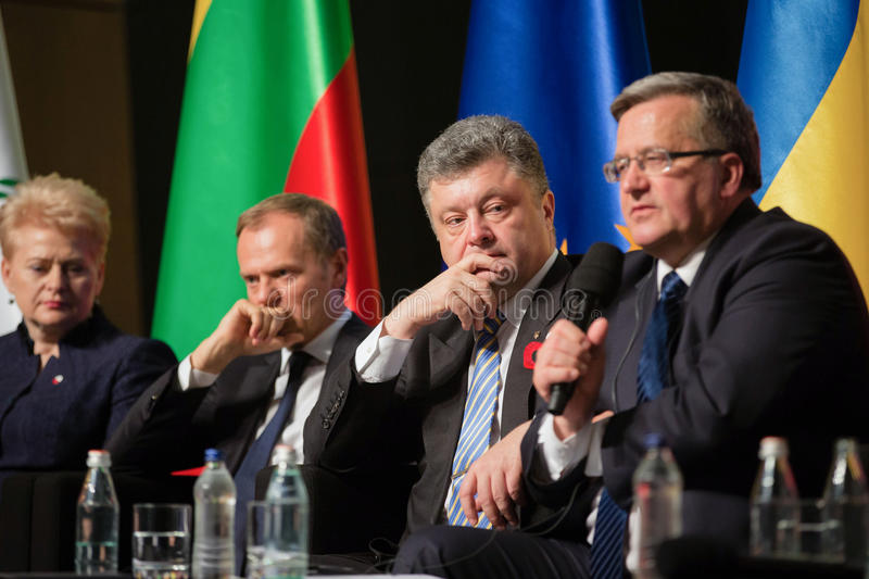 Donald Tusk, Petro Poroshenko, Dalia Grybauskaite, Bronislaw Kom stockbilder
