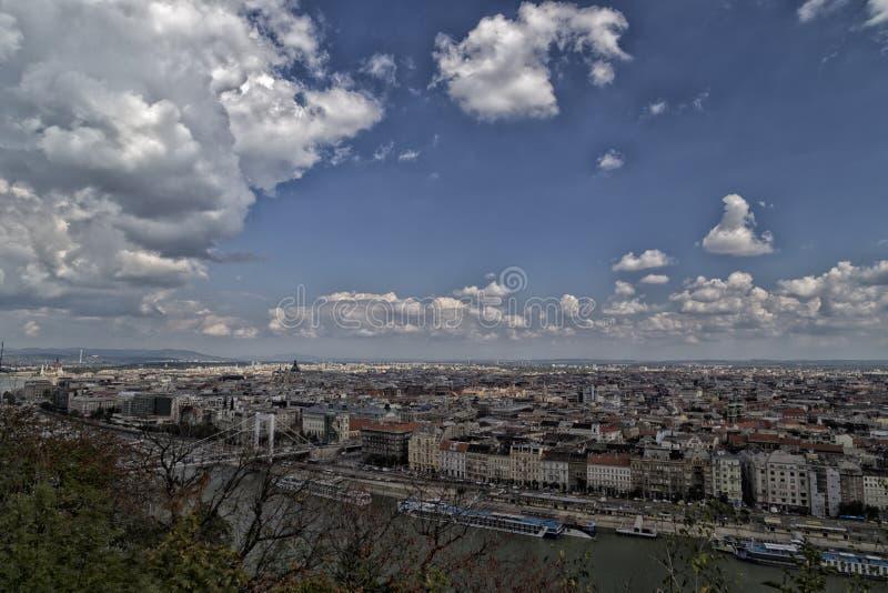 Donau-Ansicht in Budapest lizenzfreie stockbilder